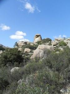 Desvío hacia la izquierda (la roca de la foto a nuestra derecha)