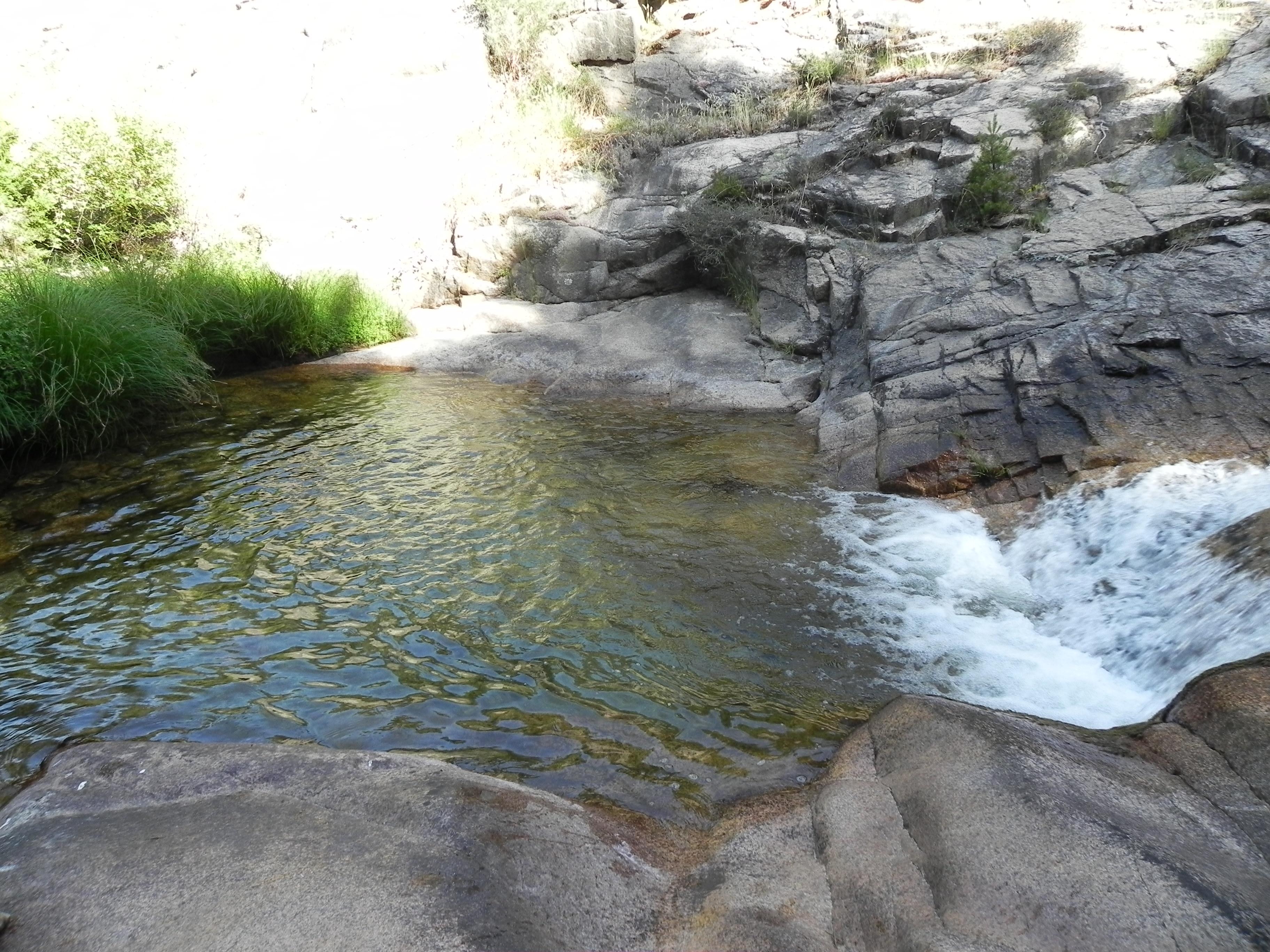 Ruta en la pedriza por las pozas y cascadas del arroyo de for La pedriza piscinas naturales